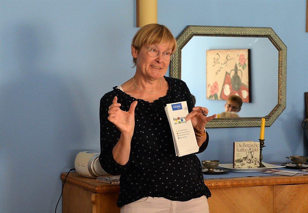 Wer eine Vorsorgevollmacht ausgefüllt hat, bekommt später eine Ausweiskarte im Scheckkartenformat. Diese sollte man ständig mit sich führen, damit im Ernstfall die Ansprechpartner sofort bekannt sind. (Foto: © Martina Hörle)