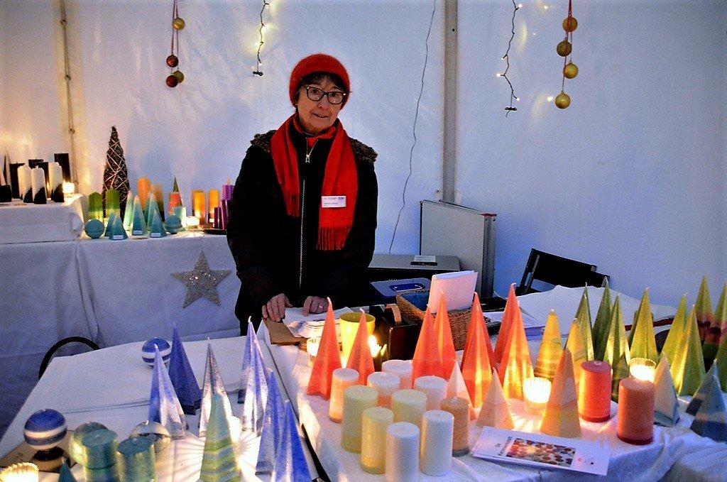 Die Kerzenwerkstatt bietet wieder wunderschöne handgefertigte Kerzen in großer Vielfalt an. (Foto: © Martina Hörle)