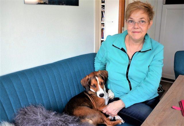 Carola Horlemann, Vorsitzende des Vereins Fellfreunde hat mit Unterstützung von Karen Ulrich den ersten Hundetag im Balkhauser Kotten ins Leben gerufen. (Archivfoto: © Martina Hörle)