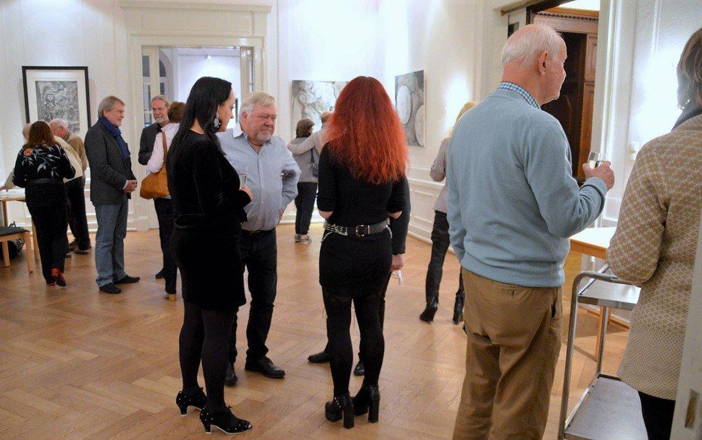 Die Besucher waren von den Werken der drei Künstler begeistert. (Foto: © Martina Hörle)