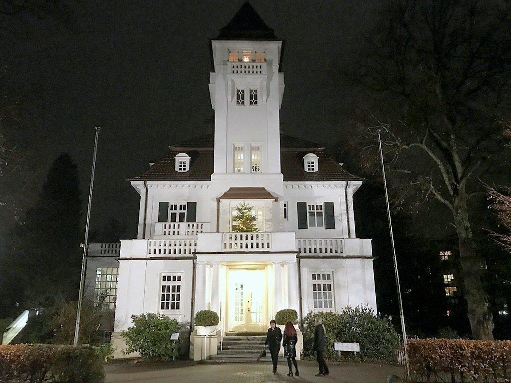 Das historische Gutshaus Glinde verfügt über stilvollen Repräsentationsräume, die gerne für Ausstellungen genutzt werden. (Foto: © Martina Hörle)