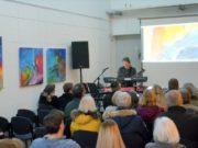 """Das schon traditionelle Festival mit elektronischer Musik fand wieder großen Anklang. In diesem Jahr stand es unter dem Motto """"Space"""". Klaus Buntrock eröffnete den musikalischen Teil im Gleis 3. (Foto: © Martina Hörle)"""