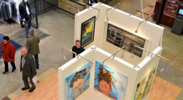 Erstmals ist der Solinger Fotograf Ulli Steinküller mit vier Werken bei der Ausstellung City-ART-Kaden in Wuppertal vertreten. (Foto: © Martina Hörle)