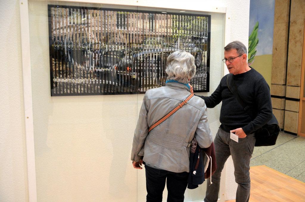 Mit seinen 2SichtBildern weckt Steinküller immer wieder die Neugier der Besucher. (Foto: © Martina Hörle)