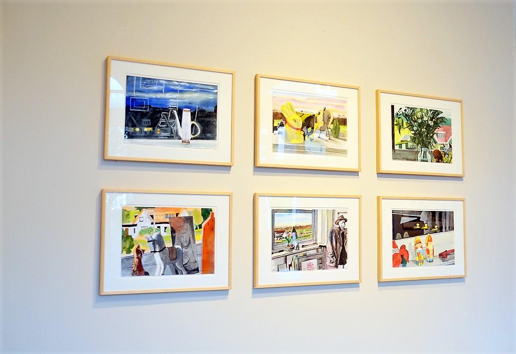 Theo de Feyter hat in seinen Abbildungen die Zeit eingefroren. Gleich große Formate, täglich die gleiche Zeit (17 Uhr), leicht variierende Blickwinkel – eine interessante Kombination, die gewisse Kontraste erzeugt. Foto: © Martina Hörle)