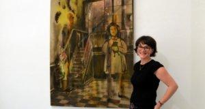 """Lara Leon-Ser stellt gemeinsam mit zwei anderen Künstlern unter dem Thema """"Unding"""" einen Teil ihrer Werke vor. Die Malerin ist seit vielen Jahren Mitglied der Ateliergemeinschaft KünstlerPack. (Foto: © Martina Hörle)"""