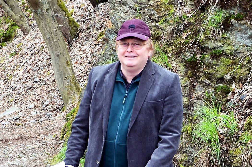 Kay Ganahl gab philosophische Gedanken über den Wald zum Besten und führte als Moderator durch die Lesung. (Foto: © Martina Hörle)