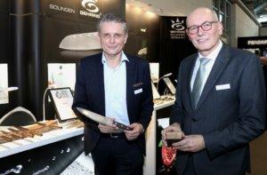Hatten am Wochenende keinen Grund zur Klage: Volker (li.) und Hartmut Gehring, Geschäftsführer des Solinger Besteckherstellers Gehring. (Foto: © Bastian Glumm)