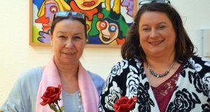 Landtagskandidatin Marina Dobbert (SPD) und Alexa Bell, Vorsitzende der AsF (re.), hatten zum 1. Solinger Sportlerinnenempfang geladen. Rund 20 Frauen trafen sich im SPD-Parteihaus am Birkenweiher. (Foto: © Martina Hörle)