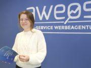 Melanie Doughty ist Prokuristin der Solinger Werbeagentur AWEOS. Die 26-Jährige ist seit 2016 mit an Bord des Unternehmens. (Foto: © Bastian Glumm)