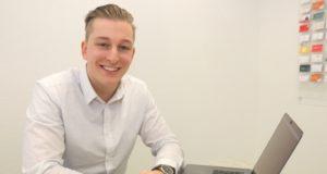 Jonas Rüttgers ist mit 24 Jahren der jüngste Prokurist im Führungsquartett der Solinger Werbeagentur AWEOS. (Foto: © Bastian Glumm)