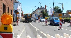 Seit rund einem Jahr wird wird die Hildener Straße umfassend saniert, die Arbeiten gehen un in die nächste Phase, die Vorbereitungen dazu starten heute. (Archivfoto: © Bastian Glumm)