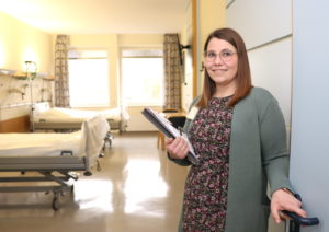 Meike Riehl ist im Klinikum Solingen für das Belegungsmanagement verantwortlich. Im Rahmen einer kleinen Serie werden wir auch ihren Part im Case Management demnächst genauer vorstellen. (Foto: © Bastian Glumm)