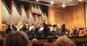 """Knapp 200 Besucher kamen am Freitagnachmittag in den Großen Konzertsaal und lauschten dem Operetten-Konzert """"Unvergesslich"""". (Foto: © Bastian Glumm)"""
