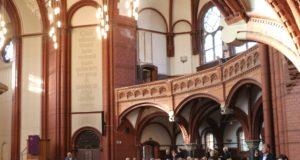 Zum Totensonnag lädt die evangelische Kirche in Solingen zu besonderen Gottesdiensten ein. (Archivfoto: © Bastian Glumm)