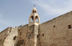 Die Geburtskirche in Bethlehem wurde um das Jahr 330 n. Chr. vom römischen Kaiser Konstantin und seiner Mutter Helena gebaut, etwa 220 Jahre später folgte ein weiterer Neubau unter Kaiser Justinian. (Archivfoto: B. Glumm)