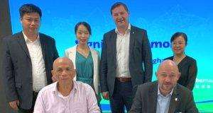 Derzeit befindet sich eine Solinger Wirtschaftsdelegation um Oberbürgermeister Tim Kurzbach und Wirtschaftsförderer Frank Balkenhol in China, jetzt wurden mehrere Absichtserklärungen zu Kooperationen unterzeichnet. (Foto: © Stadt Solingen)