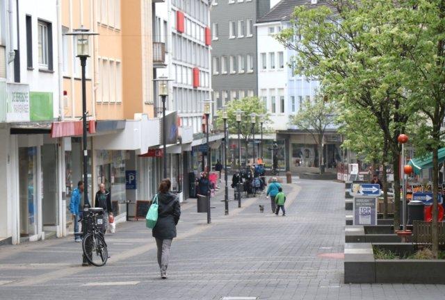 Eines der Sorgenkinder der Solinger Innenstadt ist die untere Hauptstraße. Hier bestimmen Leerstände das Bild. (Foto: © Bastian Glumm)