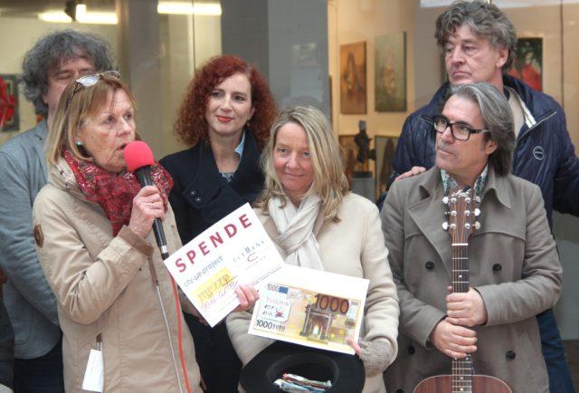 Künstler und Besucher der Clemens-Galerien sammelten für
