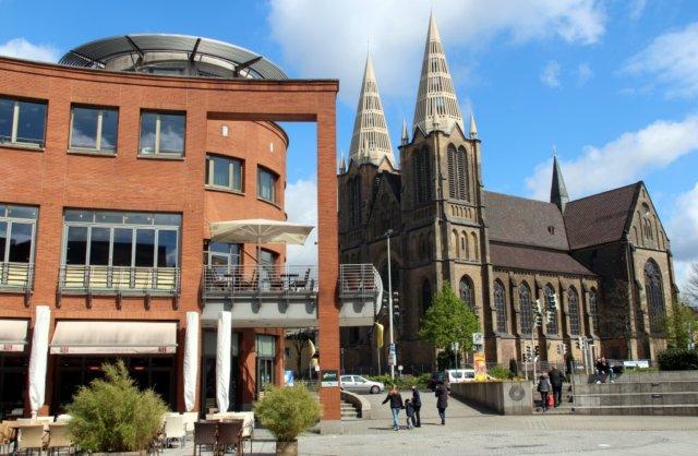 Clemens-Galerien und Clemenskirche in der Solinger Innenstadt. (Archivfoto: © Bastian Glumm)