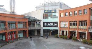 Die Clemens-Galerien in der Solinger Innenstadt. Viele Geschäfte des Einkaufszentrums stehen nach wie vor leer. (Foto: © Bastian Glumm)