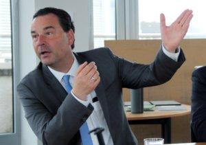 Dr. Jochen Stahl ist Investor der Clemens-Galerien und Eigentümer des Kaufhof-Gebäudes nebenan. (Foto: © Bastian Glumm)