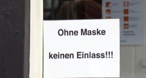 Aufgrund der Corona-Krise gilt auch in Solingen in vielen Bereichen eine Maskenpflicht. (Foto: © Bastian Glumm)