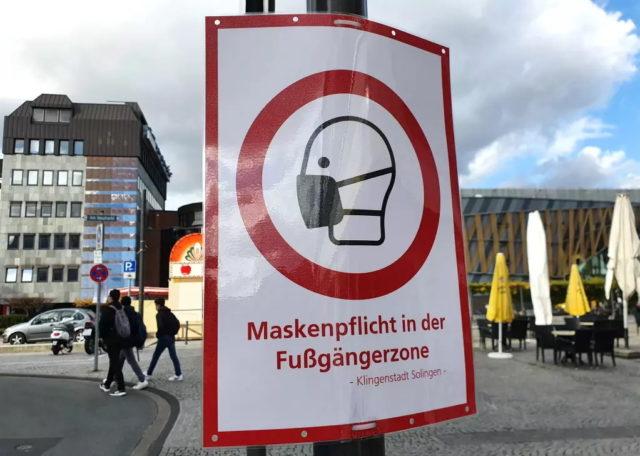Die Stadt Solingen lockert auf Grund der derzeit guten Inzidenzwerte die Maskenpflicht. (Archivfoto: © Bastian Glumm)