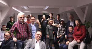 Gute Laune und ein echter Grund zum Feiern: Das coworkit, der erste Coworking Space Solingens, blickt auf ein erfolgreiches erstes Jahr zurück. (Foto: © Gründer- und Technologiezentrum)