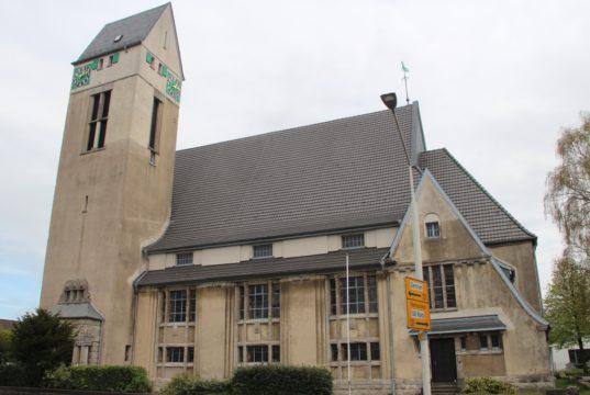 Die evangelische Dorper Kirche an der Schützen- Ecke Ritterstraße in Solingen. (Archivfoto: © Bastian Glumm)