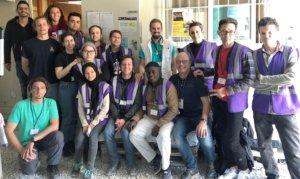Dr. Christoph Zenses und das Team, das im Casmp Moria auf der griechischen Insel Lesbos hilft. (Foto: © Solingen hilft e.V.)