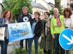Sind bereits jetzt bester Stimmung und freuen sich auf das Dürpelfest: v.li. Gloria Göllmann, Timm Kronenberg, Frauke Pohlmann, Brigitte Kiekenap, Dr. Christoph Fuhrmann und Ute Morsbach-Michels. (Foto: © B. Glumm)