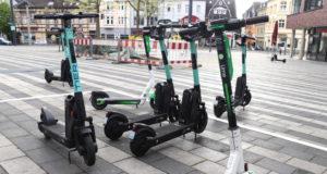 Seit Mittwoch können jetzt auch in Solingen im gesamten Stadtgebiet E-Scooter ausgeliehen werden. (Foto: © Bastian Glumm)