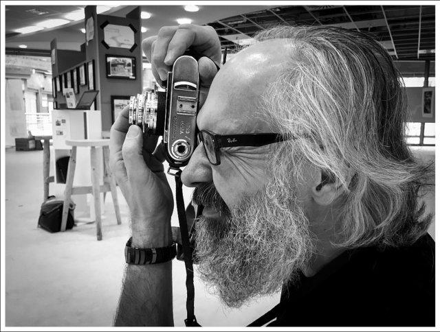 """In seiner neuen Ausstellung """"en passant"""" geht Fotograf Wolfgang Vomm neue Wege. Anstelle der typischen Bildbetrachtungen gibt es eine Multimedia-Performance. (Foto: © Veranstalter)"""
