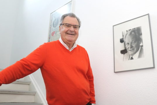 Ernst Lauterjung sitzt seit 1978 für seine SPD im Rat der Stadt Solingen. Von 2014 bis 2020 war er 1. Bürgermeister der Klingenstadt. (Foto: © Bastian Glumm)