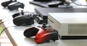 Gaming kann Menschen verbinden, ist man bei Stage5 Gaming überzeugt. In Zeiten der Corona-Krise sind die Menschen gezwungen, viel zu Hause zu sein. (Foto: © Bastian Glumm)