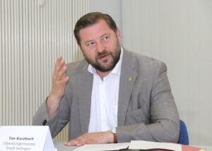 Tim Kurzbach, Oberbürgermeister der Stadt Solingen. (Foto: © Bastian Glumm)