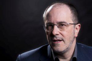 Fabrizio Ventura wurde in Rom geboren. Von 1989 bis 1994 war er Musikalischer Oberleiter am Theater Biel in der Schweiz, von 1994 bis 1998 Staatskapellmeister am Staatstheater Braunschweig. (Foto: © Oliver Berg)
