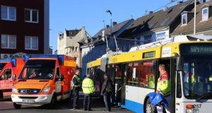 Im Bereich der Kreuzung Kullerstraße/Cronenberger Straße kam es zu einem Beinahunfall, wodurch ein Bus der Stadtwerke eine Vollbremsung machen musste. (Foto: © Das SolingenMagazin)