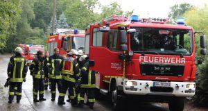 """Sturmtief """"Thomas"""" schüttelte Solingen am Donnerstag gehörig durch. Viel zu tun für die Feuerwehr, die mit insgesamt 130 Einsatzkräften im gesamten Stadtgebiet unterwegs war. (Archivfoto: © B. Glumm)"""
