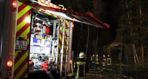 Rund 100 Einsatzkräfte der Solinger Feuerwehr waren am Samstagabend über mehrere Stunden in Ohligs im Einsatz. (Foto: © T. Oelbermann)