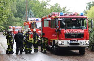 Die Freiwillige Feuerwehr im Einsatz, hier die Löscheinheit 1 aus Ohligs. Die Ausbildung unterscheidet sich nur unwesentlich von der der hauptberuflichen Kollegen. Auf die rettungsdienstliche Komponente wird beispielsweise verzichtet. (Archivfoto: © B. Glumm)
