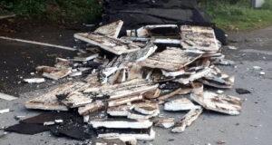 In der Nacht von Montag auf Dienstag haben Unbekannte rund fünf Tonnen Müll auf dem städtischen Friedhof in Burg an der Solinger Straße entsorgt. (Foto: © Stadt Solingen)