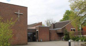 Das Gemeindezentrum ARCHE an der Eichenstraße wird dank einer großzügigen Spende des Unternehmerehepaares Beate und Thomas Busch saniert. (Foto: © B. Glumm)