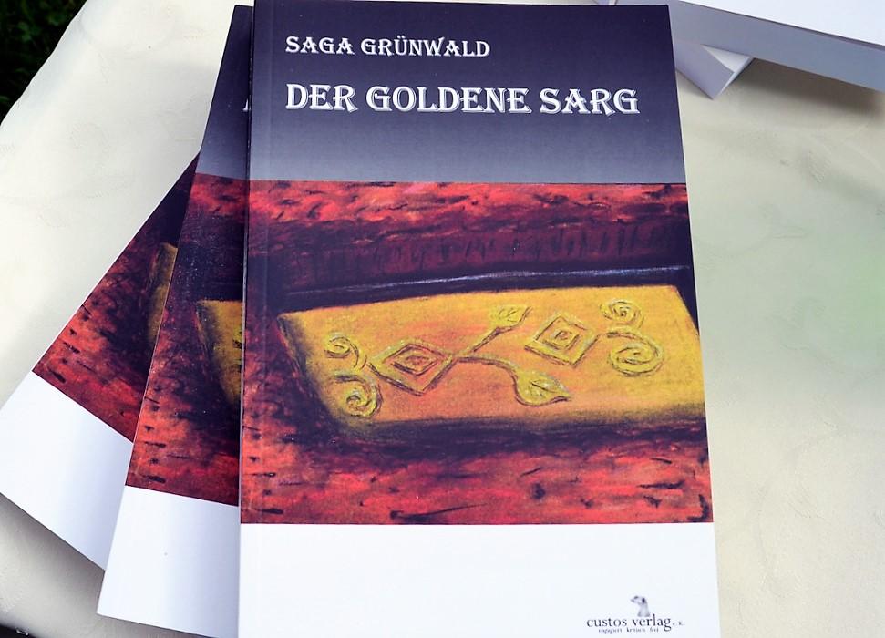 """""""Der goldene Sarg"""" ist der mittlerweile sechste Band der spannenden Jocasta Loomis-Reihe. Saga Grünwald nimmt ihre Leser mit in die Wahner Heide. (Foto: © Martina Hörle)"""