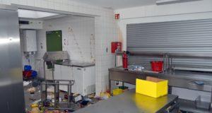 Eine Spur der Verwüstung hinterließen die Täter in gleich mehreren Schulen. Nicht immer wurde etwas gestohlen, dafür wurde dann randaliert. (Foto: © Polizei Wuppertal)
