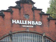 Das ehemalige Hallenbad an der Birker Straße gegenüber der Eissporthalle. (Archivfoto: © Bastian Glumm)