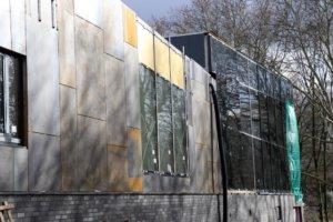 Ähnlich wie beim Haus Müngsten bekommt die Außenfassade des neuen Hallenbads Vogelsang einen Rost-Look mit Corten-Stahl verpasst. Damit will man auch an die Geschichte Solingen erinnern. (Foto: © Bastian Glumm)