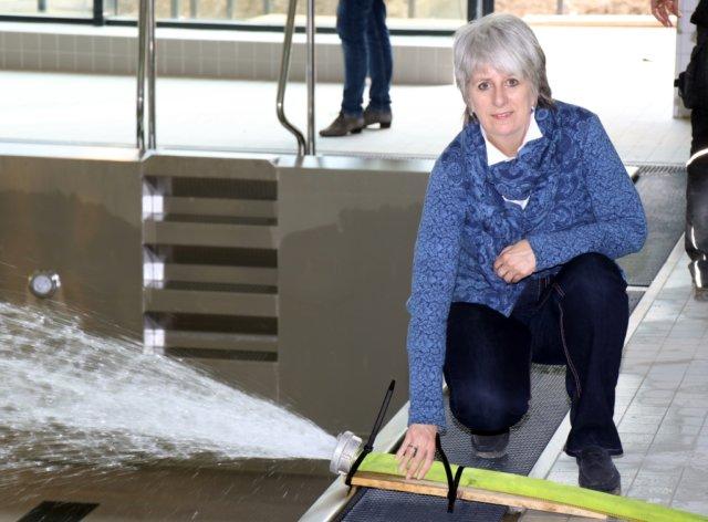 Am Donnerstagnachmittag gab Kirsten Olsen-Buchkremer, Geschäftsführerin der Solinger Bädergesellschaft, im neuen Hallenbad Vogelsang das Kommando