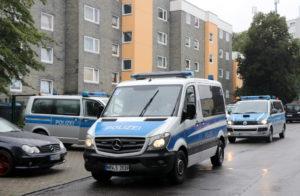 Die Polizei war am Donnerstagnachmittag mit einem Großaufgebot in der Hasseldelle im Einsatz. (Foto: © Bastian Glumm)
